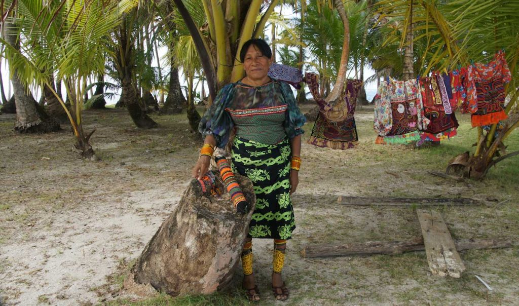 What to do on San Blas islands to learn about gunas or kunas