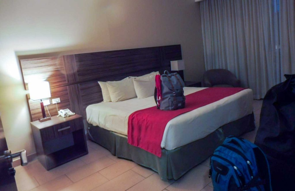 OUR BEAUTIFUL SUITE IN CHEAP HOTEL PANAMA CITY