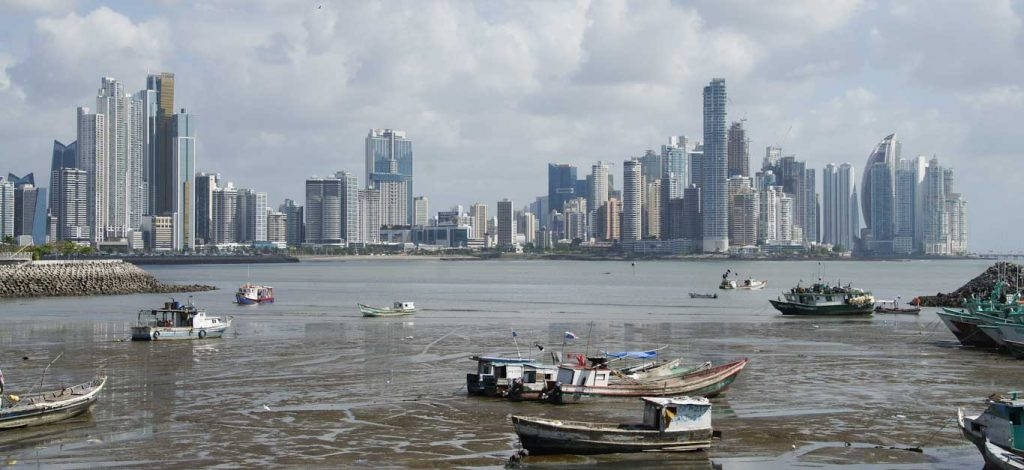 PANAMA CITY IN ONE DAY PANORAMIC VIEW SEA AND BOATS