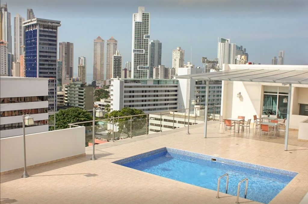 swimming pool cheap hotel in panama city