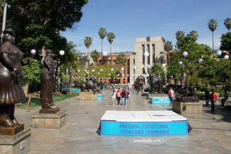 Dangerous districts in Medellin and best neighborhoods in Medellin for tourists : the center