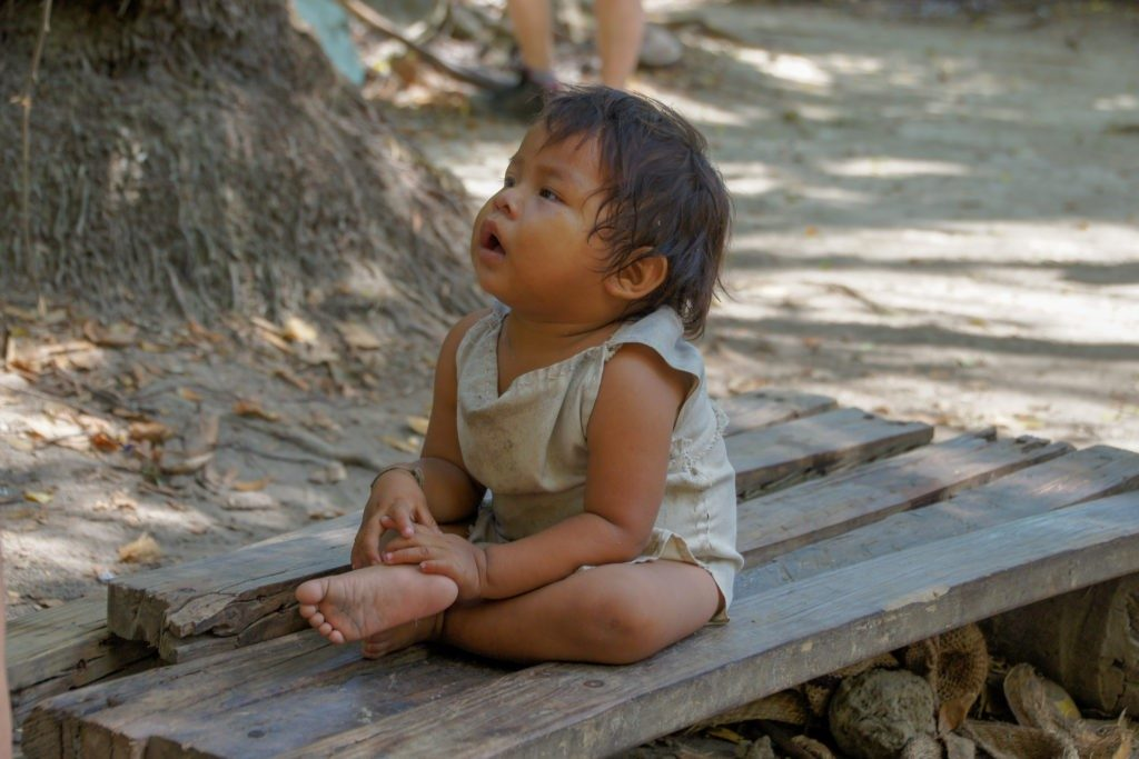 Koguis child in tayrona park in one day