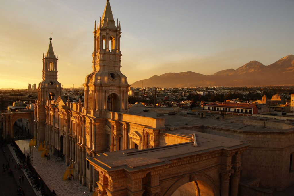 Visit Arequipa in 2 days - Cocktail On the top