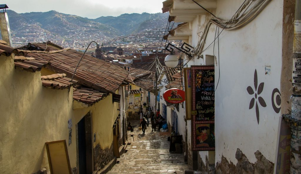 CUSCO IN 1 DAY IN A STREET OF SAN BLAS DISTRICT