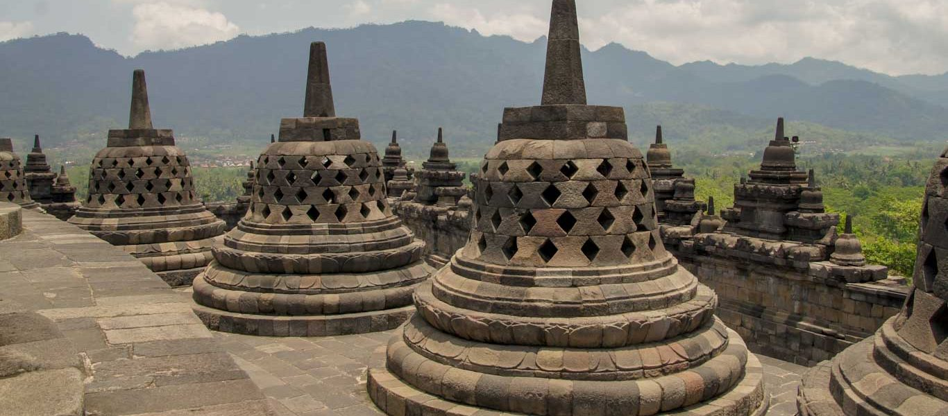 How to visit Borobudur and Prambanan in 1 day