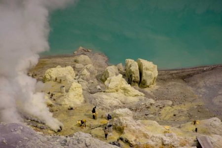 Ascent of Ijen Volcano and beautiful discovery in Banyuwangi