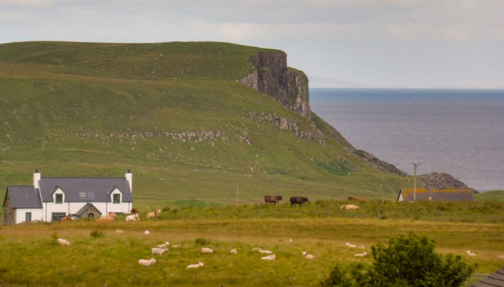 Travel route in SCOTLAND with itinerary and map