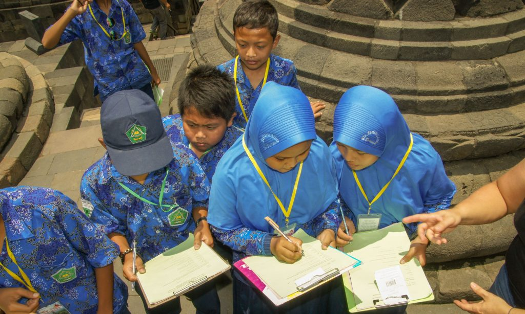 How to visit Borobudur and Prambanan in 1 day OUR CONTACT WITH CHILDREN