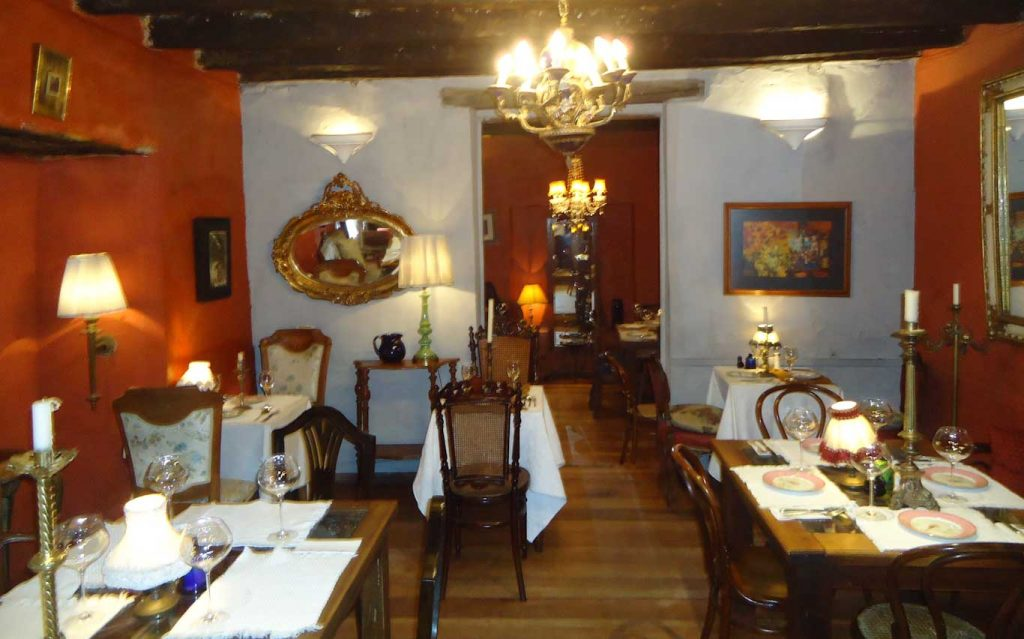 good restaurant in my 1 day tour in Bogota the living room