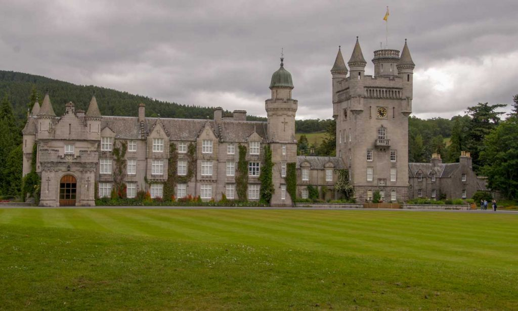 Aberdeenshire tour in Scotland The queen's Balmoral Castle