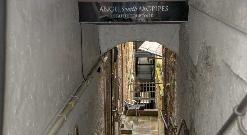 MARY KINGS CLOSE ON MY ONE DAY TOUR OF EDINBURGH