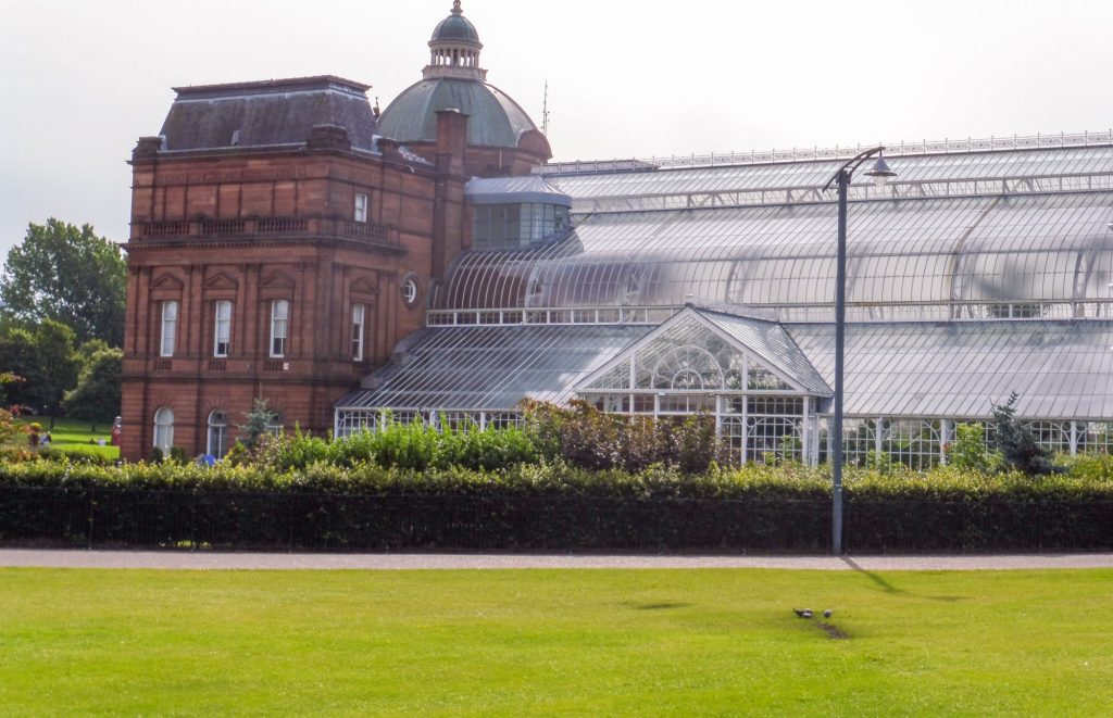 Glasgow in 1 day - The People's Palace and its winter gardens
