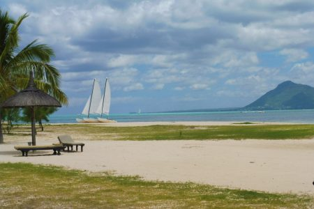 Which is the best coast to stay in Mauritius and where to choose your hotel in Mauritius and best places