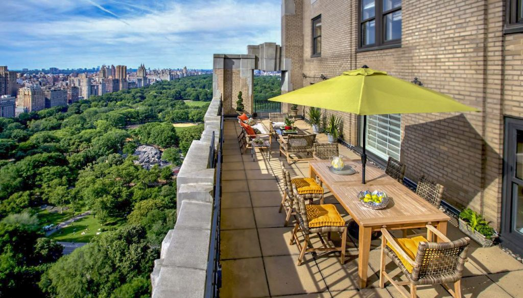 Best dog-friendly hotel in New York City in Central Park Manhattan