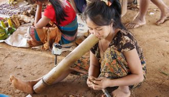 My 2 days Bolavens loop. The ethnic Katu tribe in the village of Ban Kok Phoung Taï